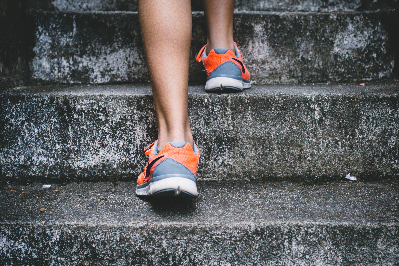 ふくらはぎの筋肉『腓腹筋、ヒラメ筋、足底筋』の役割と特徴