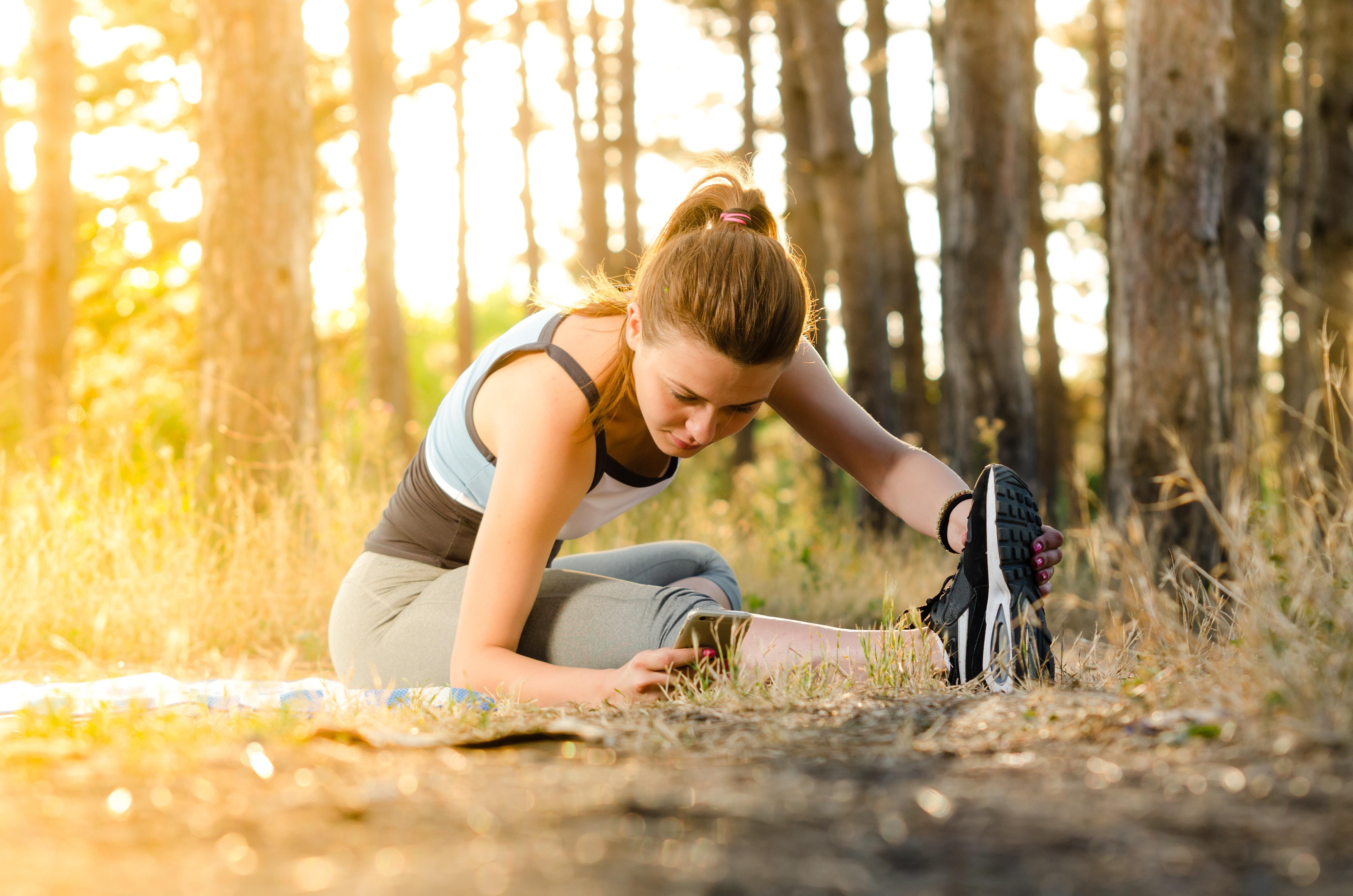 股関節に痛みがある女性の最初のトレーニング【関節を安定させること】