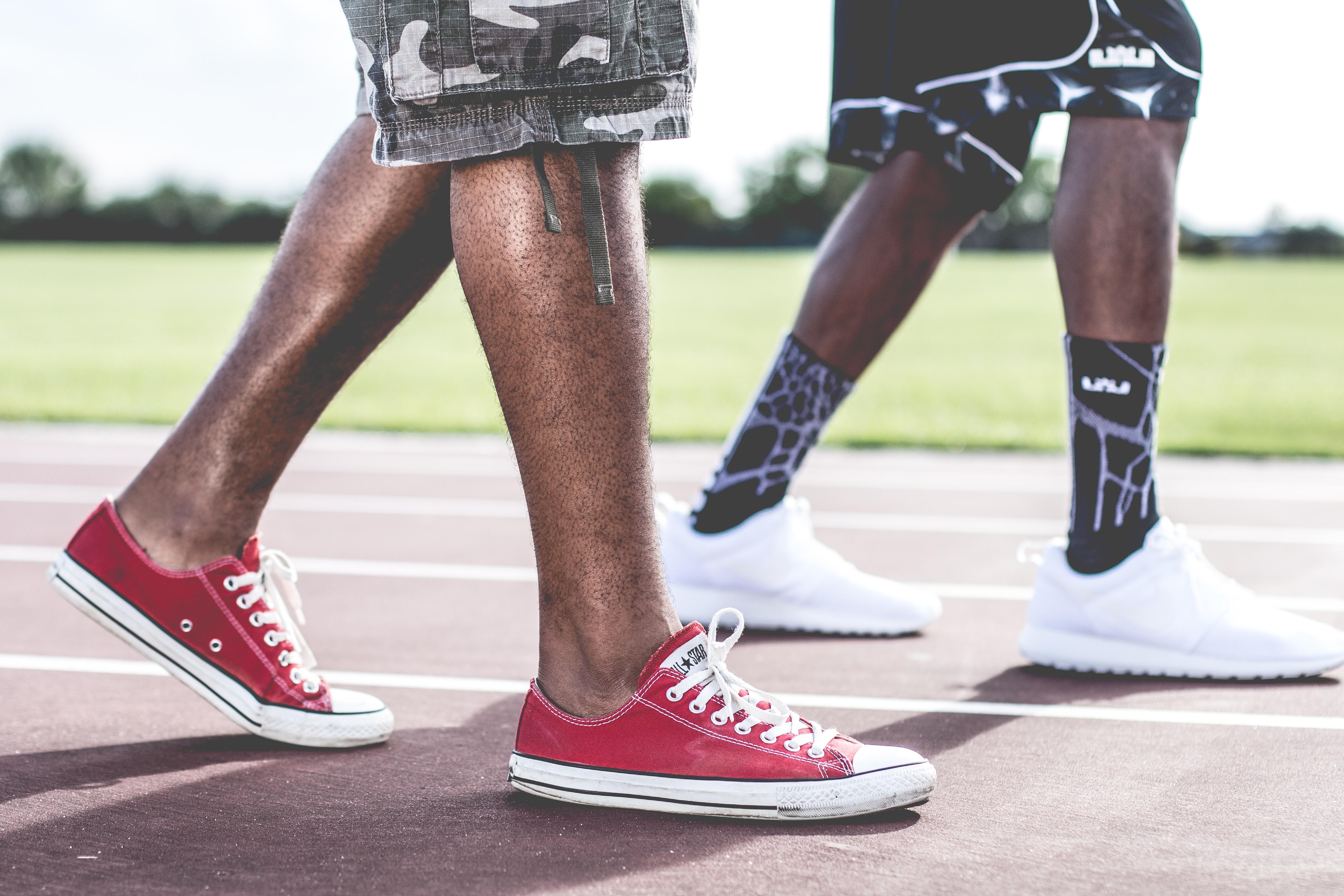 前脛骨筋の特徴と作用【効果的な筋トレとストレッチ方法】歩く、走る時に働く筋肉